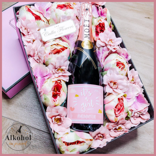 IT'S A GIRL MOËT & CHANDON ROSE IMPERIAL FLOWER BOX BY CALLA